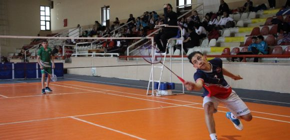 Badminton Grup Müsabakaları Başladı