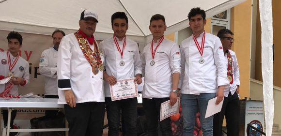 Aşçılık öğrencileri, Gastronomi Festivalinde ödül aldı