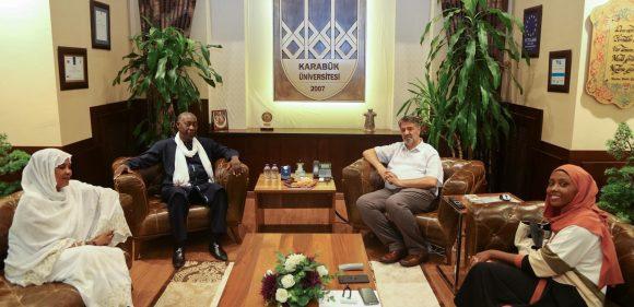 Çad eski Çevre Bakanı'ndan Rektör Polat'a ziyaret