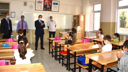 Akbaş Yüz Yüze Eğitim Gören Öğrencilerle Bir Araya Geldi
